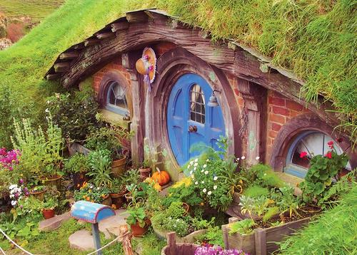 hobbit's house - picture 1