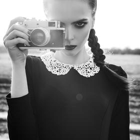 girl with vintage camera - picture 1