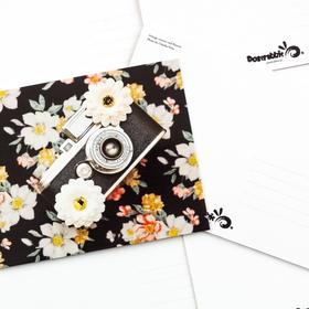 vintage camera and flowers - picture 2